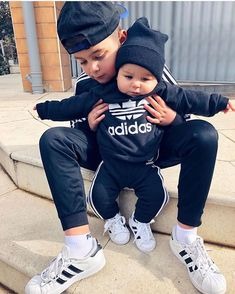 Cute Baby Boy Outfits, Trendy Baby Clothes, Little Boy Outfits, Toddler Outfits, Cute Little Baby, Baby Kind, Cute Baby Girl, Cute Kids Fashion, Baby Boy Fashion