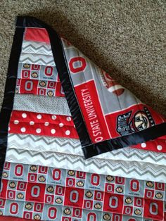 Ohio State Buckeyes Quilt - Makes me want to learn to quilt ... : ohio state quilt kits - Adamdwight.com