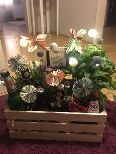 Biergarten zum Verschenken Beer garden to give away Gift ideas: Beer garden A special gift for every man. I used lavender basil and mint as plants and 5 different bottles of beer plus a bottle opener Wrapping Ideas, Gift Wrapping, Folding Money, Free Beer, Fairy Lights, String Lights, Special Gifts, Diy Gifts, Birthday Gifts