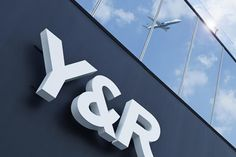 A partir de janeiro, Y&R é a nova agência da Azul Linhas Aéreas Brasileiras - Blue Bus