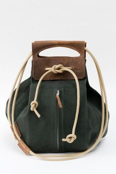 big canvas pop-up bag with leather handles / dark green & brown