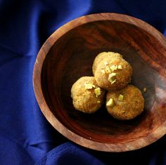 Besan Ladoo Vegan Glutenfree Recipe. Chickpea flour roasted with oil and sugar, spiced with cardamom and made into dessert balls. Indian Recipe