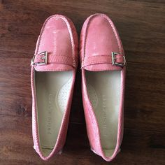 c8dd25d149 Get the must-have flats of this season! These. Tradesy