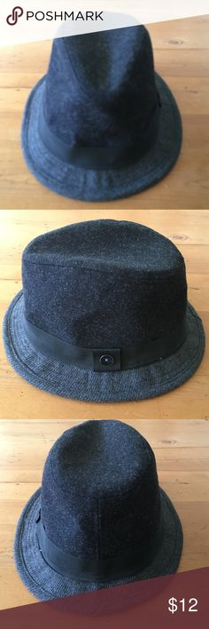 Hurley Fedora Hat Great condition elastic band inside rim of hat 71/2 in hat size button accent great for fall and winter 50 percent wool machine washable soft comfortable charcoal gray Hurley Accessories Hats