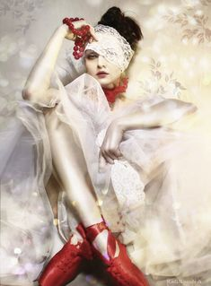 Red toe shoes & vintage lace ... serendipity