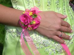 prom wrist corsage pictures | ... corsages wrist corsages for weddings wedding corsages for mothers prom