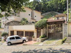 https://flic.kr/p/Fj8ycA | Outra bonita casinha! | Num cantinho encantado da Cidade Maravilhosa onde tudo é só alegria! :-)  Em algum lugar do Rio de Janeiro, Brasil.  ____________________________________________  Another beautiful house!  In an enchanting little place in the Wonderful City where everything is pure joy! :-)  Somewhere in Rio de Janeiro, Brazil. Have a fancy day!  ____________________________________________  Buy my photos at / Compre minhas fotos na Getty Images  To direct…