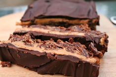 Chocolate peanut butter cornflake slice, a rich and indulgent no-bake recipe which is really easy to make Peanut Butter Slice, Peanut Butter Recipes, Creamy Peanut Butter, Chocolate Cornflake Cakes, Chocolate Peanut Butter, Chocolate Cakes, Chocolate Muffins, Brownie Recipes, Cake Recipes
