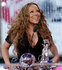 I remember watching this on TRL x] ♡♡♡ Queen Mimi, Mariah Carey Pictures, Picture Photo, Wonder Woman, The Incredibles, Singer, Actresses, Hair Styles, Beauty