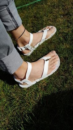 Mens Flip Flops, Teva Original Sandal, Teva Flatform, Male Fashion Trends, Men's Fashion, Sport Sandals, Women Sandals, Black White Red, Huaraches