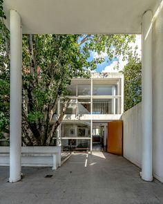 Casa Curutchet | Luis Picarelli Fotografia Le Corbusier, Garage Doors, Exterior, Outdoor Decor, Home Decor, Architecture, Fotografia, Decoration Home, Room Decor