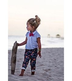 @Who What Wear - NK: Madewell prep meets Gidget. DN: Surfer girl highlights that give Tracey Cunningham a run for her money. EC: I admire the borrowed-from-the-boys vibe that's happening above the waist. JB: Floral pants done right.