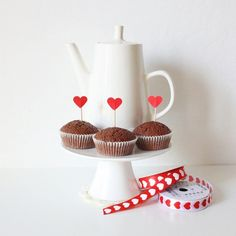 Valentine's Day #DIY: Easy Cupcake Toppers Tutorial #crafts