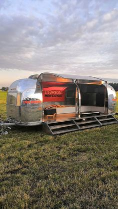 Mobiles, Stage, Vintage Camper, Airstream Trailers, Event Marketing, Vehicles, Concerts, Mobile Phones, Rv Motorhomes