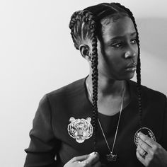 Rapper Dej Loaf has been rocking some stunning braid styles as of late. Fromreverse braids tobanded braids and more, check out her styles below: What do you think?