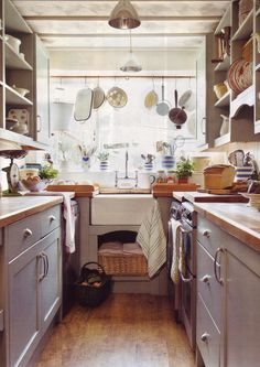 The Apple Market: The Lavender House; I first thought this was a pantry, but it is a small English kitchen. Brits often have the clothes washer in the kitchen (appliance to the right of the sink)!