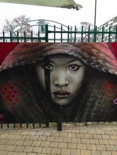 Encore une preuve qu'on peut laisser les artistes redécorer les villes, que c'est beau !