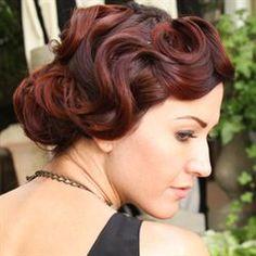 Love pin up hair !