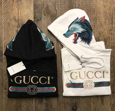 Today we are going to make a small chat about 2019 Gucci fashion show which was in Milan. When I watched the Gucci fashion show, some colors and clothings. Gucci Fashion Show, Mens Fashion, Gucci Handbags, Luxury Handbags, Gucci Shirts, Image Fashion, Gucci Outfits, Fashion Outfits, Fashion Sites