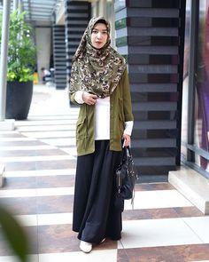 Style hijab street maxi skirts Ideas for 2019 Black Women Fashion, Trendy Fashion, Fashion Outfits, Womens Fashion, Trendy Style, Trendy Dresses, Nice Dresses, Casual Dresses, Long Skirt Outfits