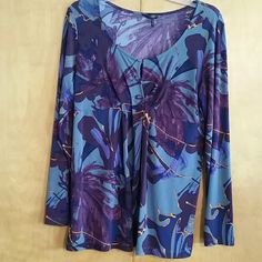 Daisy Fuentes top Long sleeved Daisy Fuentes Tops Blouses