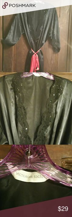 VINTAGE VICTORIAS SECRET KIMONO. VGUC! This one has it All~ Sequins, beading, embroidery &lace! 3/4 length sleeves. Victoria's Secret Intimates & Sleepwear Robes