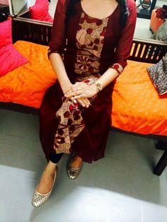 Different types of kurtis designs - Easy Craft Ideas Kalamkari Designs, Salwar Designs, Kurta Designs Women, Kurti Designs Party Wear, Lehenga Designs, Salwar Pattern, Kurta Patterns, Dress Neck Designs, Blouse Designs
