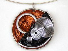 Halsreife - Upcycling-Anhänger # 010 - ein Designerstück von JeuDeCouleurs bei DaWanda
