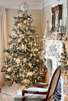 Christmas Tree 2011 at The Decorated House blog. White & Silver