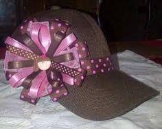Resultado de imagen para gorras decoradas con cinta Disneyland, Hair Bows, Headbands, Art Drawings, Christmas Bulbs, Bling, Holiday Decor, Hair Styles, Cute
