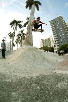 spot skate. #skate #skateboard #skateboarding