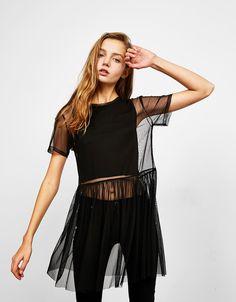 Shirt mit doppellagigem Tüll und Tutu. Entdecken Sie diese und viele andere Kleidungsstücke in Bershka unter neue Produkte jede Woche