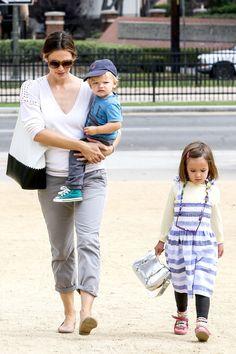 Jennifer Garner - I adore her family *--*