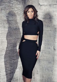 Love this 2 piece outfit. Simple & sexy.