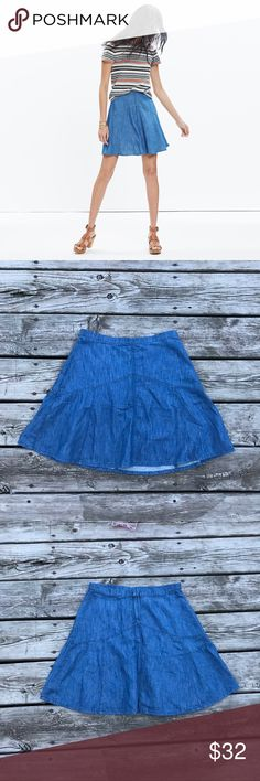 Madewell Denim Piazza Skirt Like new Madewell Denim Piazza Skirt. This is super cute and perfect to dress up or down. No flaws. Madewell Skirts Mini