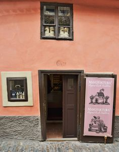 Cateva obiective pe care sa nu le ratezi in Praga - Ioana Vesa Far Away, Prague, How To Look Better, Europe, Places, Lugares
