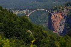 Величественный мост  #тара#дурмитор#мост#горы#каньонтара#походы#туризм#альпинизм#скалолазание#долгожители#горцы#отдых#поход#горы#путешествие#путешествия#путешествуем#путешествуй#путешествовать #путешествую#турист#туристы#поездка#отпуск#отпуск2016#отдых #отдыхаем#заграница#тур#путь