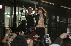 Demi Lovato Photos - Disney teen sensation Demi Lovato performs on stage on Hollywood Blvd. in front of the Chinese Theatre after her appearance at the Hollywood Santa Parade (Formerly presented as the Hollywood Christmas Parade.) Known for performing with the Jonas Brothers, Demi thrilled hundreds of fans who had lined up as early as 12:00p.m. before the 7:30p.m. concert. After the concert, Demi was thanked by Los Angeles City Councilman, Tom LaBonge. - Demi Lovato Rocks Hollywood Demi Lovato 2009, Jonas Brothers, Rock Style, Lineup, Theatre, Grunge, Stage, Rocks, Fans
