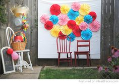 DIY Paper Fan Photography Backdrop Idea by A Pretty Cool Life | Featured on I Heart Faces Photography Blog