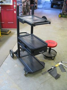 Another welding cart thread. - WeldingWeb™ - Welding forum for pros and enthusiasts Welding Cart, Welding Jobs, Welding Table, Metal Welding, Diy Welding, Metal Projects, Welding Projects, Welding Ideas, Diy Projects
