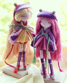 Ugh.  Just a picture of the dolls, unfortunately, but they give me lots of ideas.