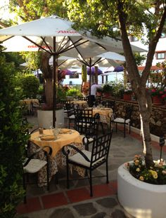 Restaurante exterior. Outdoor restaurant Alcadima Yummy local produce - Granada