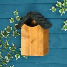 Traditional Wooden Robin Bird Nest Box by Tom Chambers | eBay