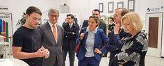 Das Forschungszentrum Jülich ist ein wichtiger Ausbilder unserer Region.  Er ermöglicht Schülern und Schülerinnen ein innovatives zeitgerechtes Umfeld für ihre Berufsausbildung  – für Berufen von morgen, die wir heute zum Teil noch gar nicht kennen…    Mit Johanna Wanka, CDU-Bundesministerin für Bildung und Forschung, und CDU-Staatssekretär Thomas Rachel habe ich die Ausbildungsstätten des Forschungszentrums Jülich besuchen können,