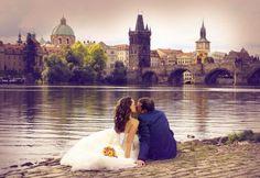 Каждой невесте хочется, чтобы ее свадьба была самой особенной и неповторимой! Именно таким будет свадебное торжество в самом сердце Европы! В Праге - городе, где форма обручена с красотой и каждая деталь пропитана многовековой историей! Эта страна богата красивыми старинными замками, где до сих пор сохранена атмосфера Cредневековья! И невероятной красоты парками! Проникнуться этой атмосферой и красотой в день собственной свадьбы - что может быть неповторимей?! 8-961-262-04-90