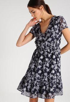 "Summer dress - navy blazer. Lining:100% polyester. Outer fabric material:100% polyester. Total length:37.0 "" (Size 8). Details:slip. Back width:15.0 "" (Size 8). Length:short. Pattern:floral. Fit:tailored. Neckline:Low V-neck...."