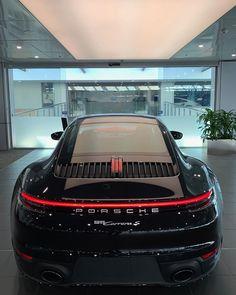 Fast Luxury Cars of Exceptional Quality - Luxury World Central Porsche 911, Porsche Sports Car, Porsche Carrera, 007 Casino Royale, Porsche Sportwagen, Lamborghini Aventador, Ferrari, Top Luxury Cars, Vintage Porsche