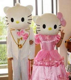 Don't they make a nice couple? Hello Kitty costume wedding dress!  www.buyonlinefromchina.net/node/153