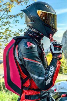 Carbon Fiber Motorcycle Helmet, Cool Motorcycle Helmets, Motorcycle Suit, Futuristic Motorcycle, Cool Motorcycles, Futuristic Helmet, Motorcycle Jackets, Futuristic Technology, Ktm Dirt Bikes