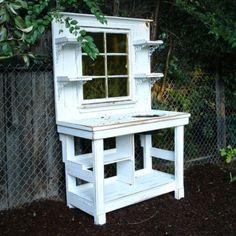 Genius and Low Budget Pallet Garden Bench for Your Beautiful Outdoor Space No 73 - Potting bench - Pallet Potting Bench Plans, Potting Tables, Potting Sheds, Furniture Top View, Garden Furniture, Upcycled Furniture, Bedroom Furniture, Furniture Design, Diy Pallet Projects
